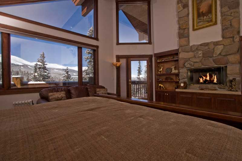 Master Bedroom with Fireplace 800 x 533